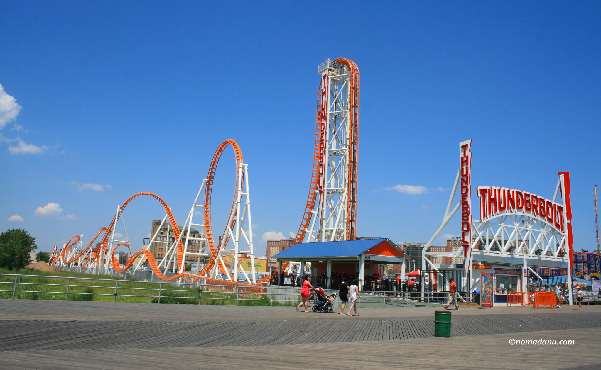 Luna Park Thunderbolt
